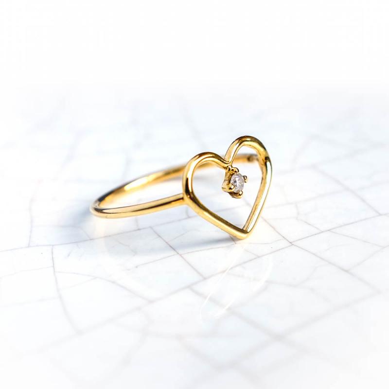Bague ajourée coeur sertie d'un diamant de 0.02 carat , Or jaune ou Or blanc, 9 carats
